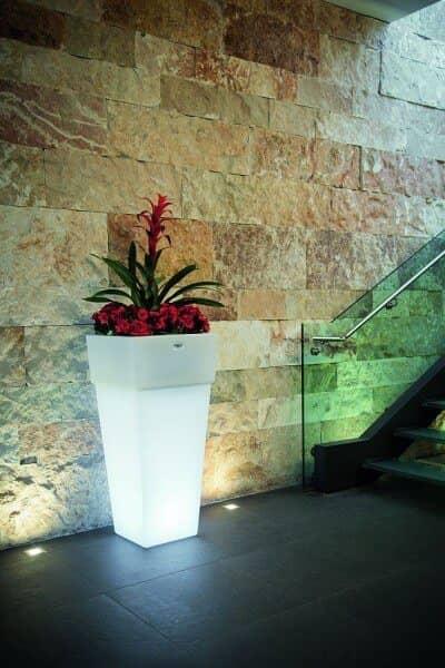"""LED beleuchteter Pflanzkübel """"Giza"""" von Modum: gartenmode.de"""